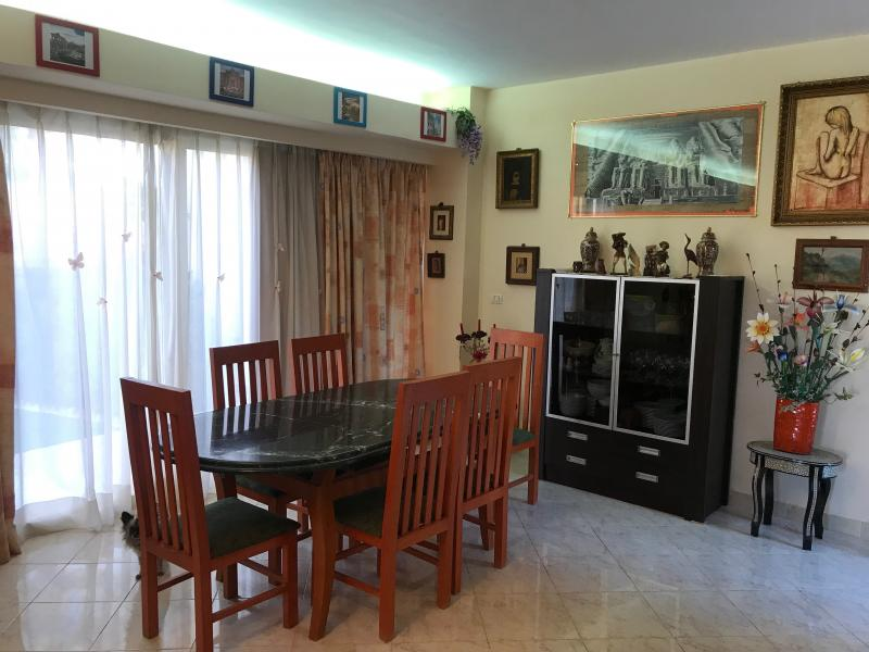Modern 2 bedroom with big garden front of the pool