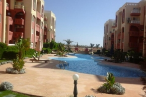 1 Bedroom in maraqya with Garden